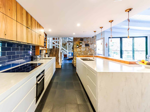 Solid Surface Kitchen Countertops & Cabinet