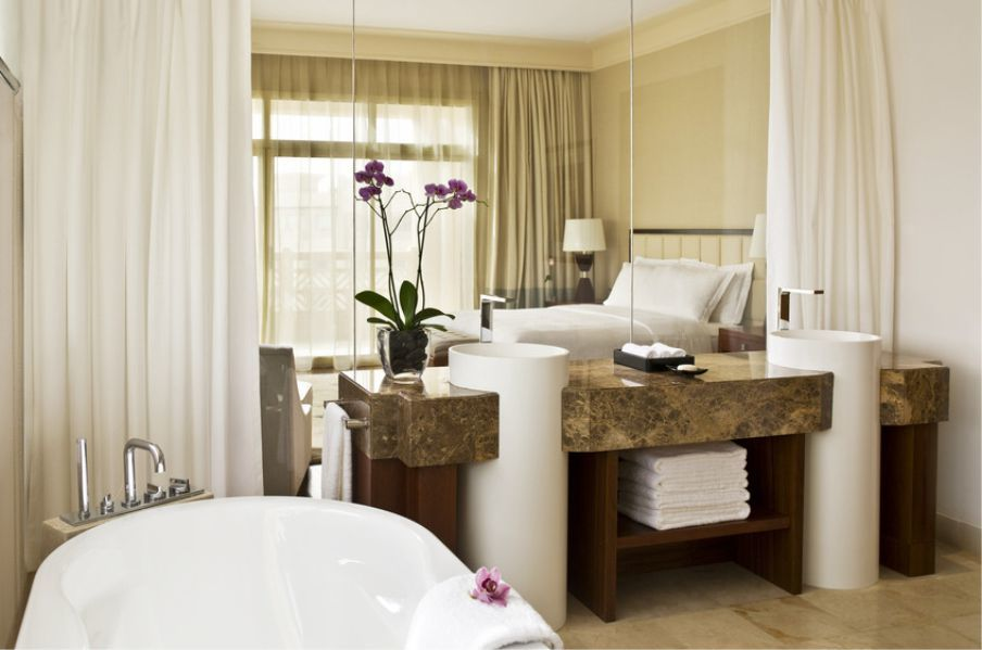KKR BATHTUBS IN SHANGHAI  HONGQIAO GRAND MERCURE